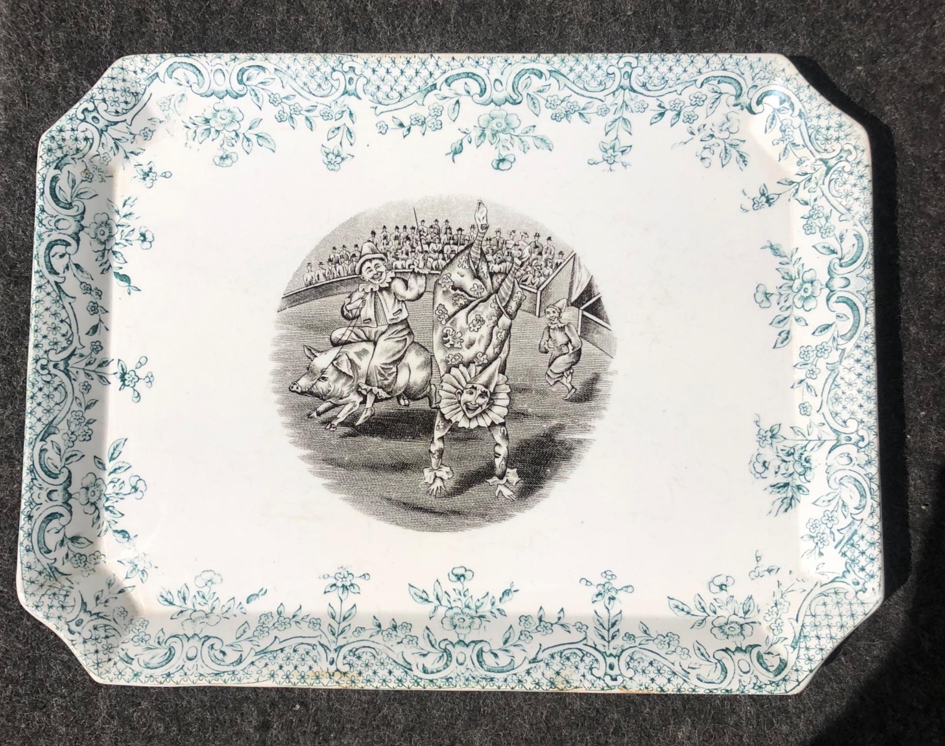Vassoio in terraglia con decoro a decalcomania.Serie pagliacci.Societa' ceramica Lombarda.