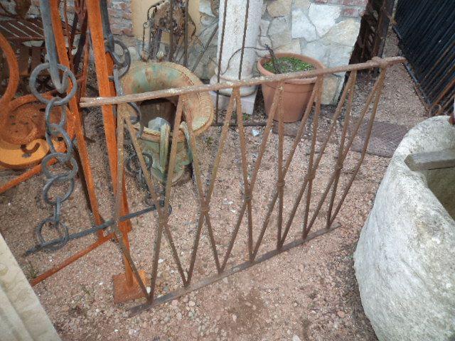 Ringhiera in ferro battuto antiquariato su anticoantico for Prezzo del ferro vecchio al kg