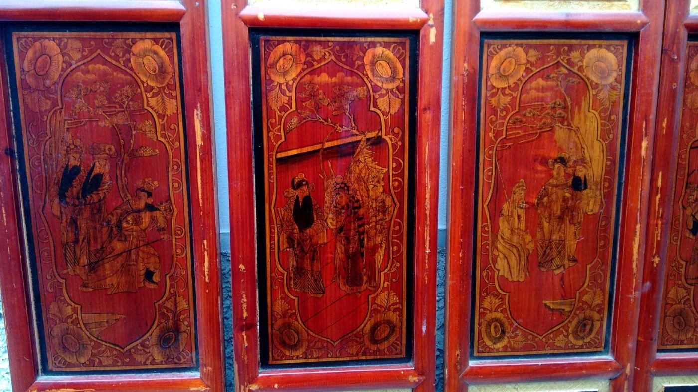 thumb2|Serie di 8 otto pannelli cinesi intagliati, dorati e dipinti