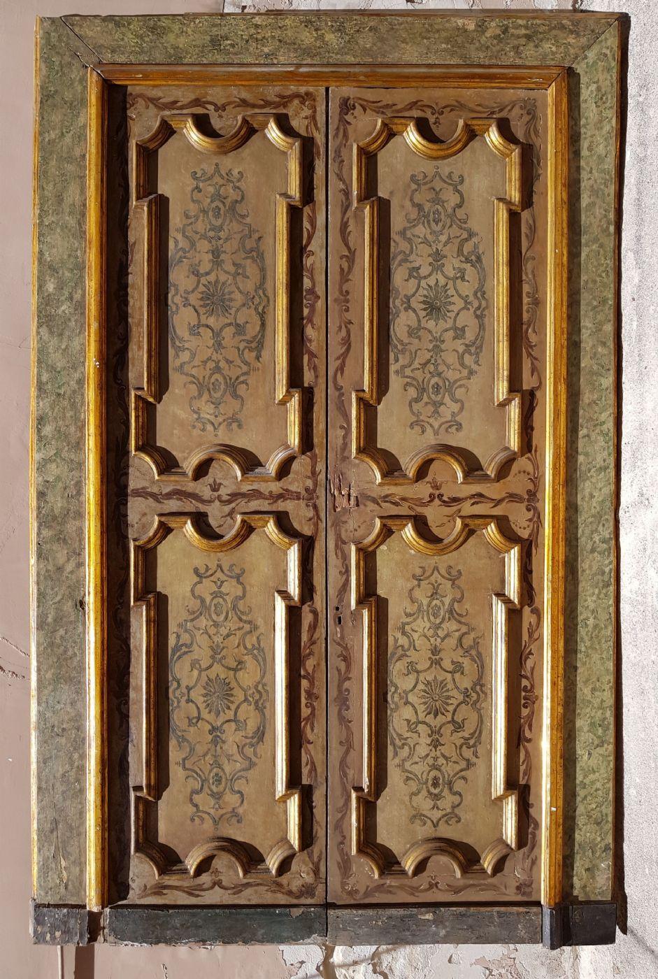 Coppia di porte laccate e dipinte.Luigi XIV