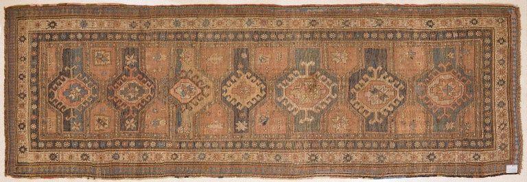 thumb2|Antica e rara passatoia Caucasica GANDJEH da collezione privata