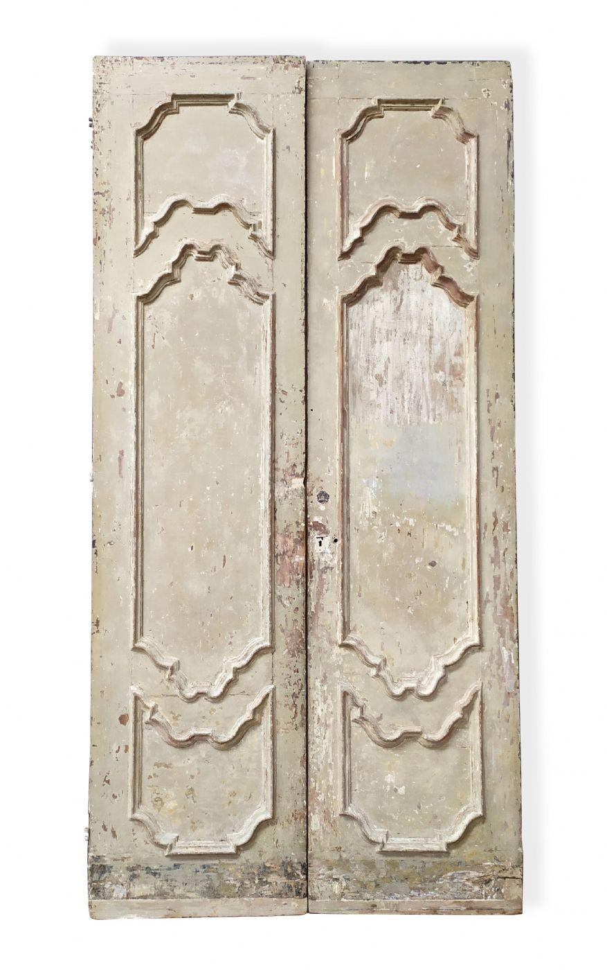 Foto Di Porte Antiche una di tre porte antiche laccate. epoca 1700. | antiquariato