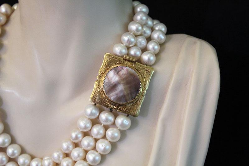 thumb2 Collana e bracciale perle bianche e fermezza in madreperla