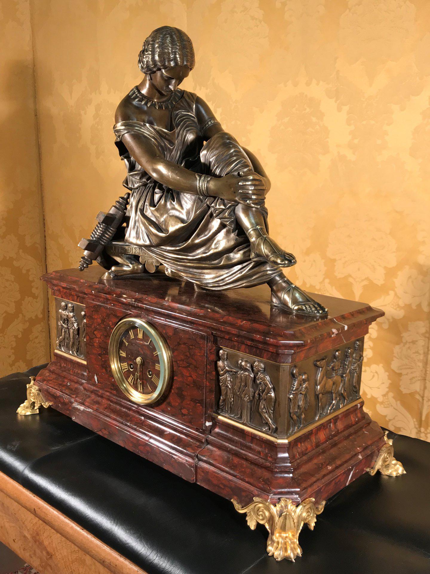 thumb3|Importante orologio a pendolo con marmo e bronzo firmato