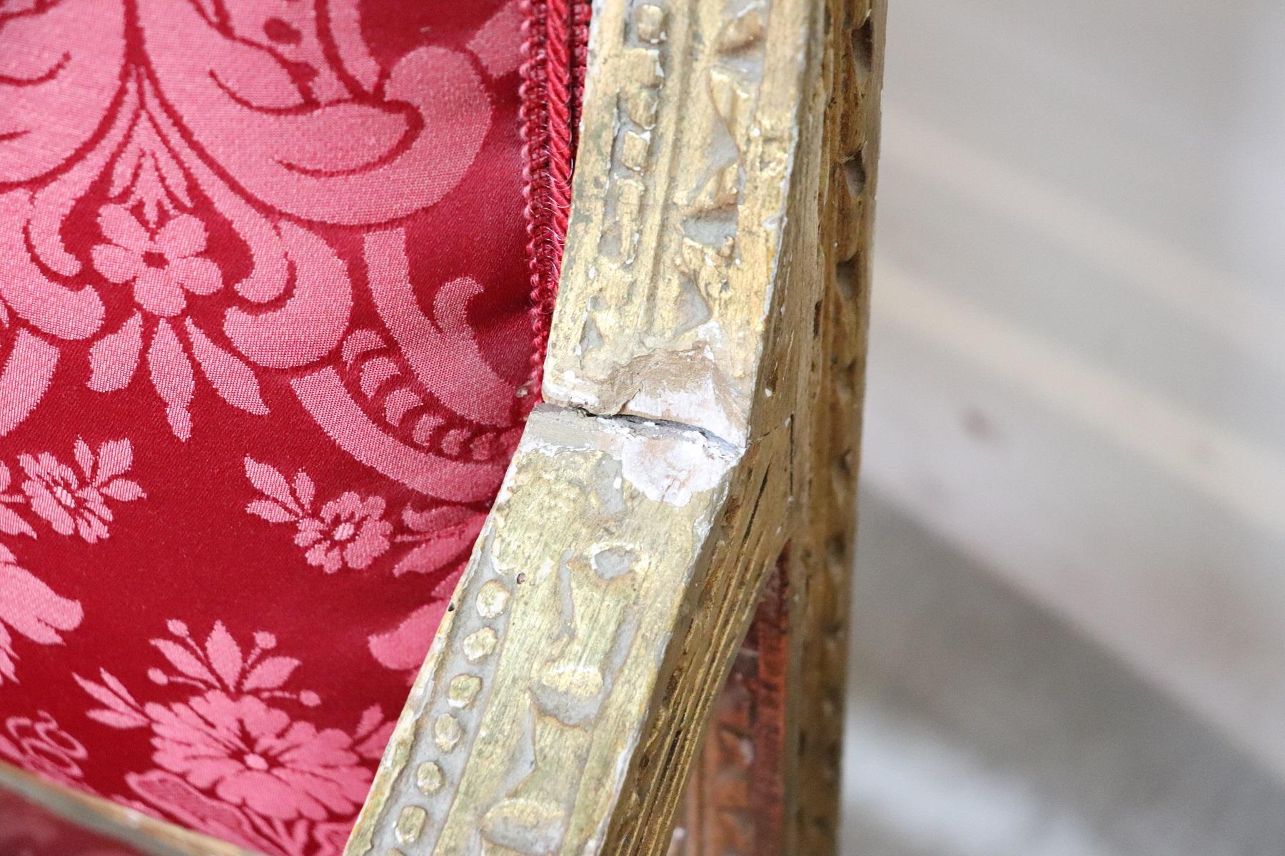 thumb7|Coppia di poltrone in stile antico Luigi XVI legno intagliato e dorato PREZZO TRATTABILE