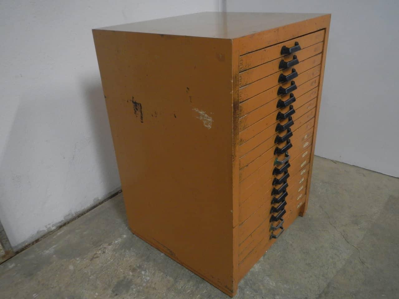 thumb2|casssettiera da tipografia anni 70