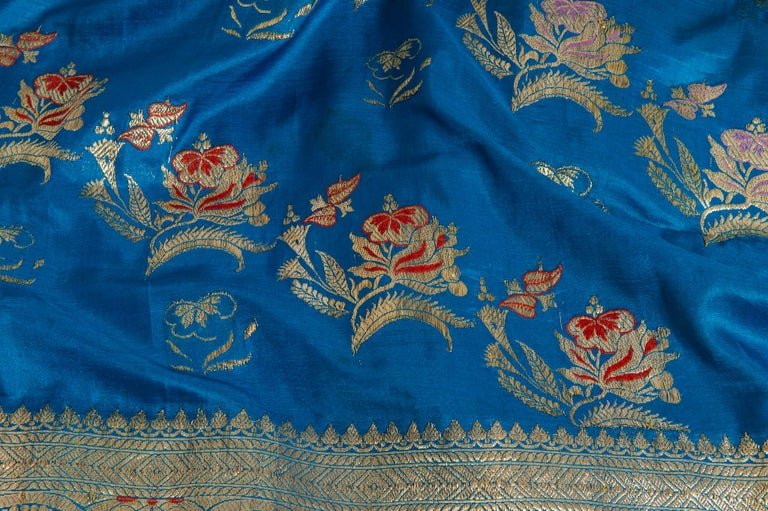 thumb3|SARI Indiano antico color turchese
