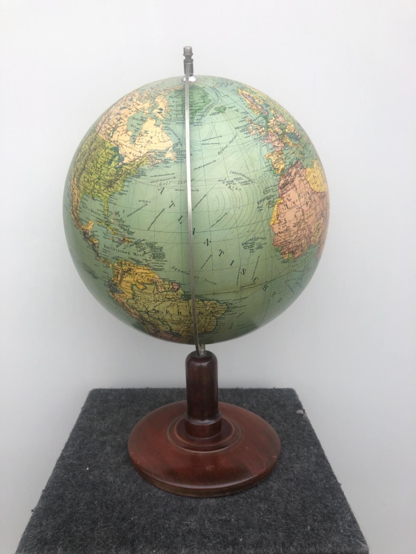 thumb2|Globo terrestre.Columbus Erglobus.Germania.