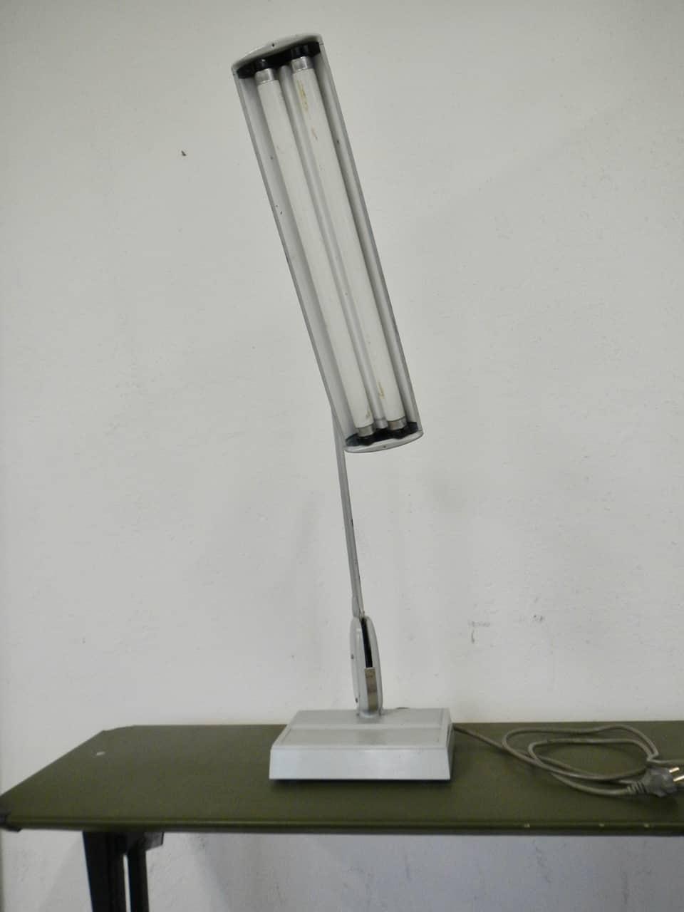 thumb4|lampada industriale  anni 50
