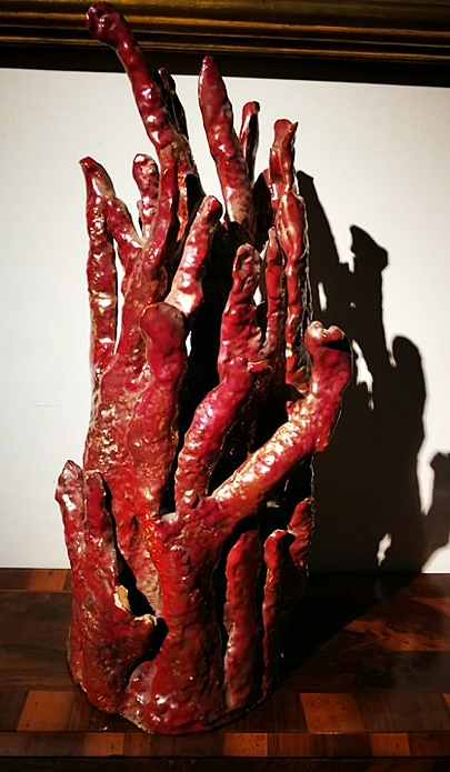 thumb4|Rara ceramica art deco' in lustro smaltato a forma di cespuglio di corallo. Firmata R.Gatti Faenza.