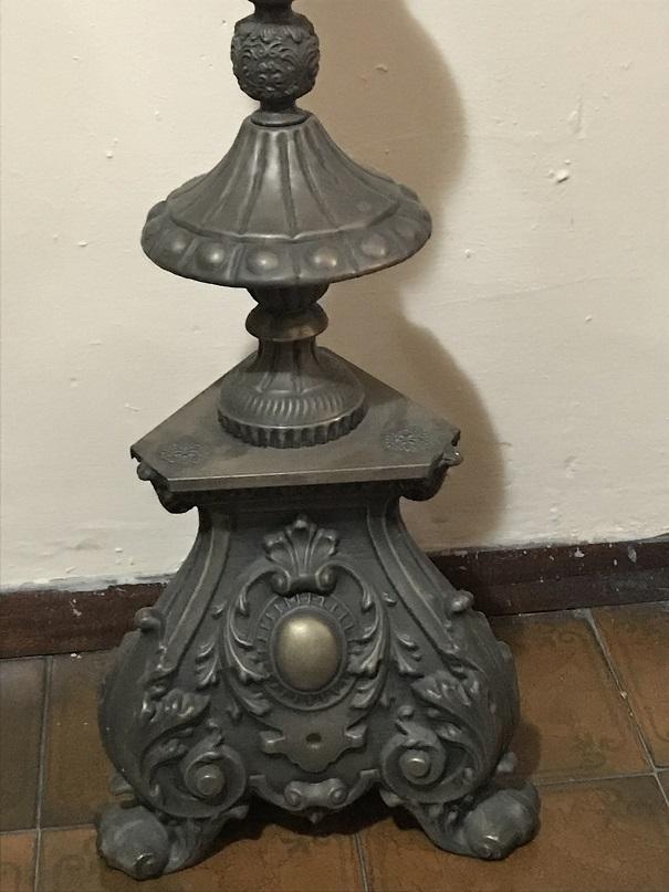 thumb2 grande candeliere in ottone sbalzato