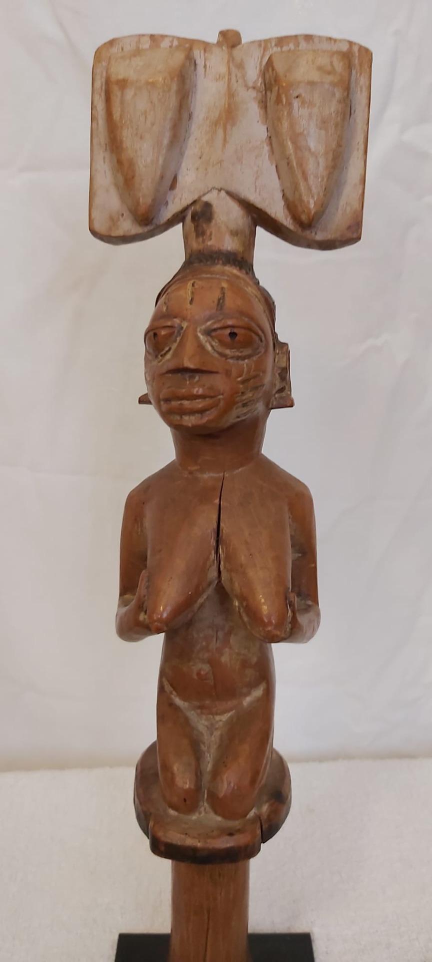 thumb3|Scettro Yoruba (Nigeria)  epoca 1940/50