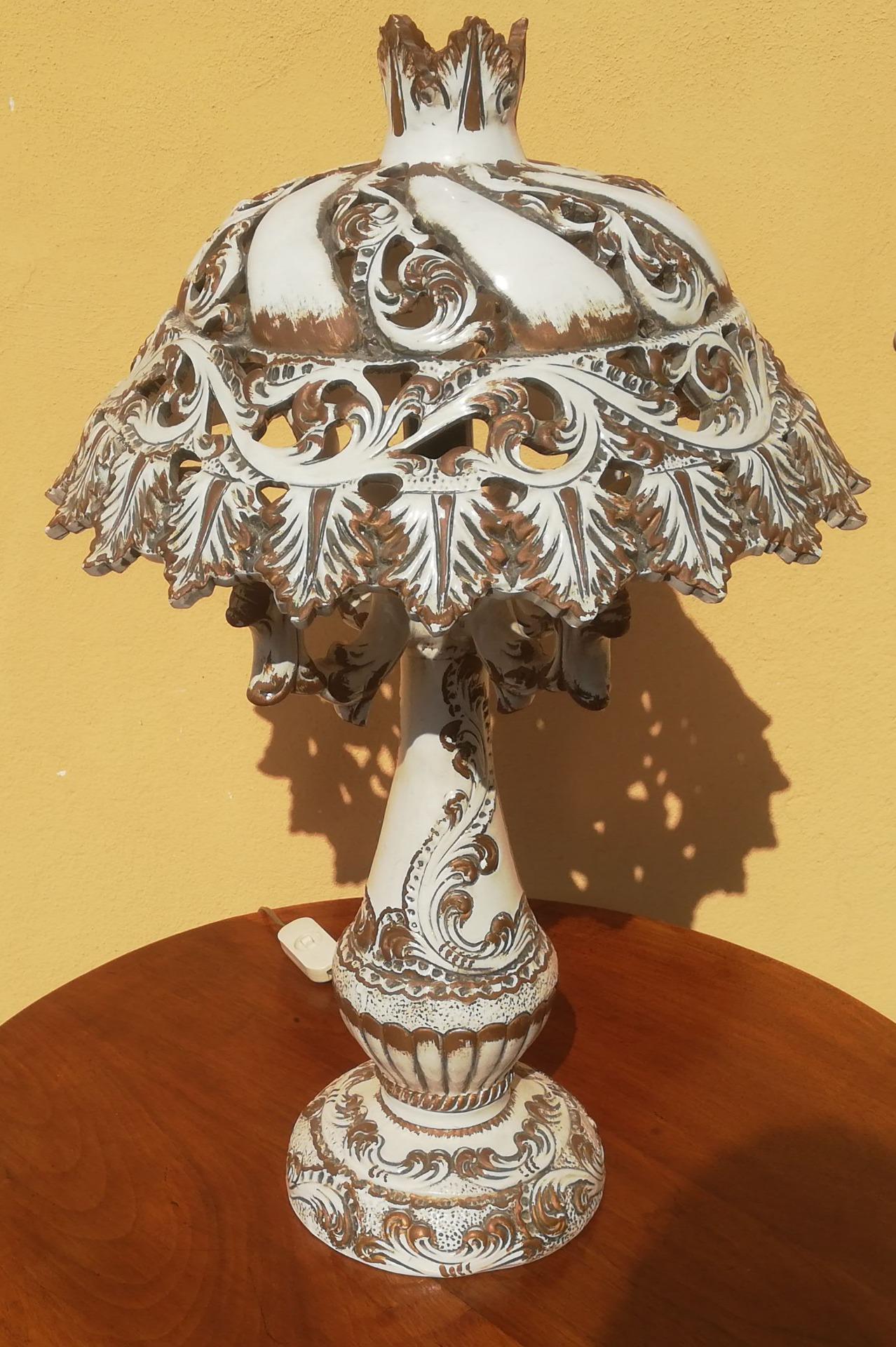 thumb7|lampda in ceramica Bassano