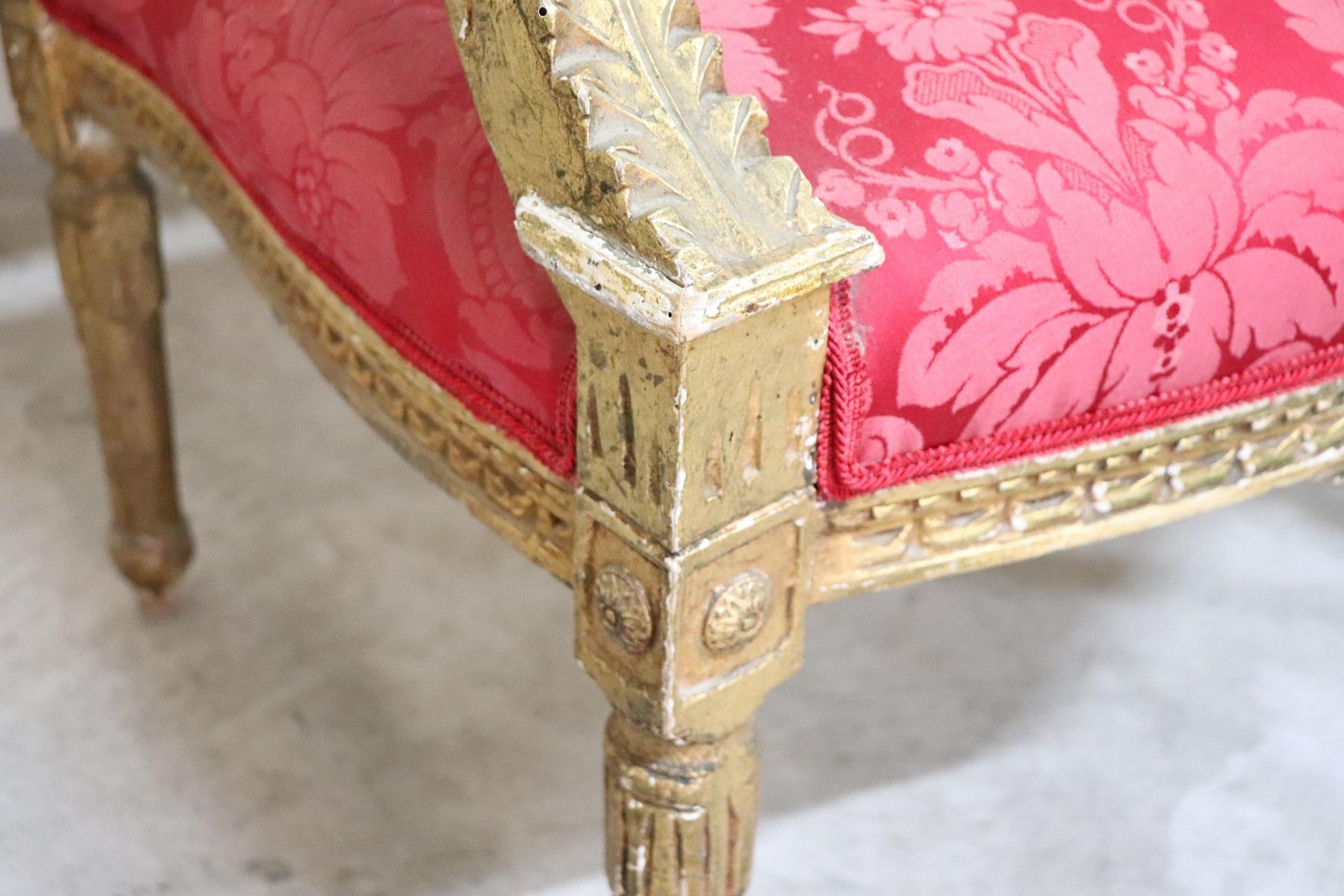 thumb4|Coppia di poltrone in stile antico Luigi XVI legno intagliato e dorato PREZZO TRATTABILE