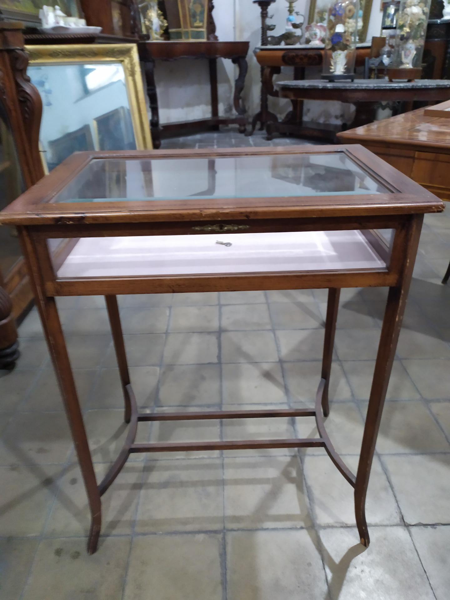 Tavolino Del 32.Tavolino Bacheca In Mogano Con Intarsio Primi Del 900