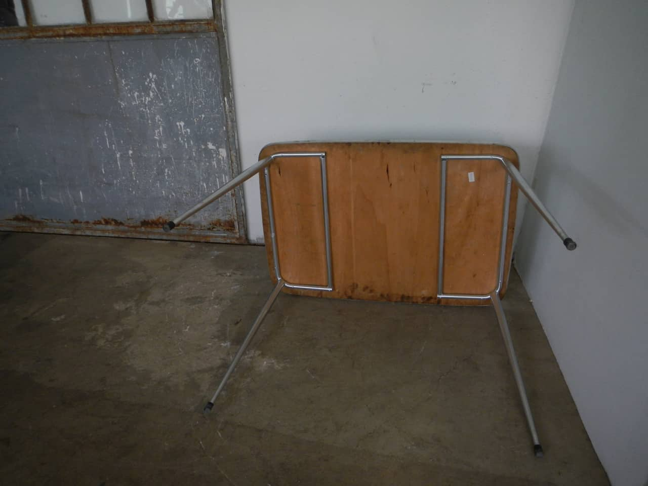 thumb7|tavolo da cucina in formica anni 50