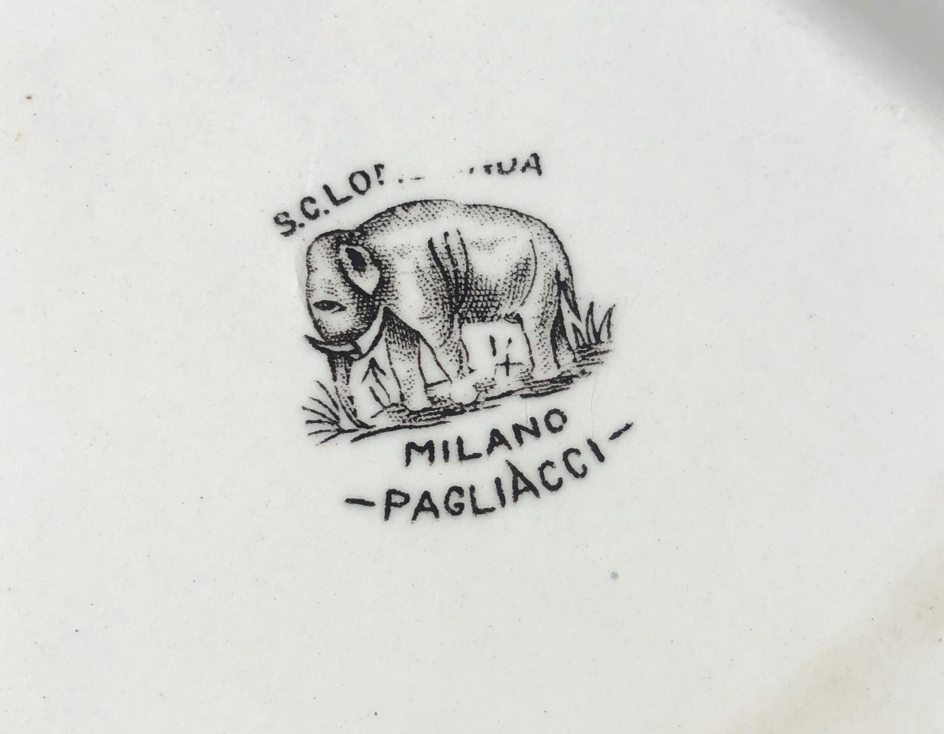 thumb3|Vassoio in terraglia con decoro a decalcomania.Serie pagliacci.Societa' ceramica Lombarda.