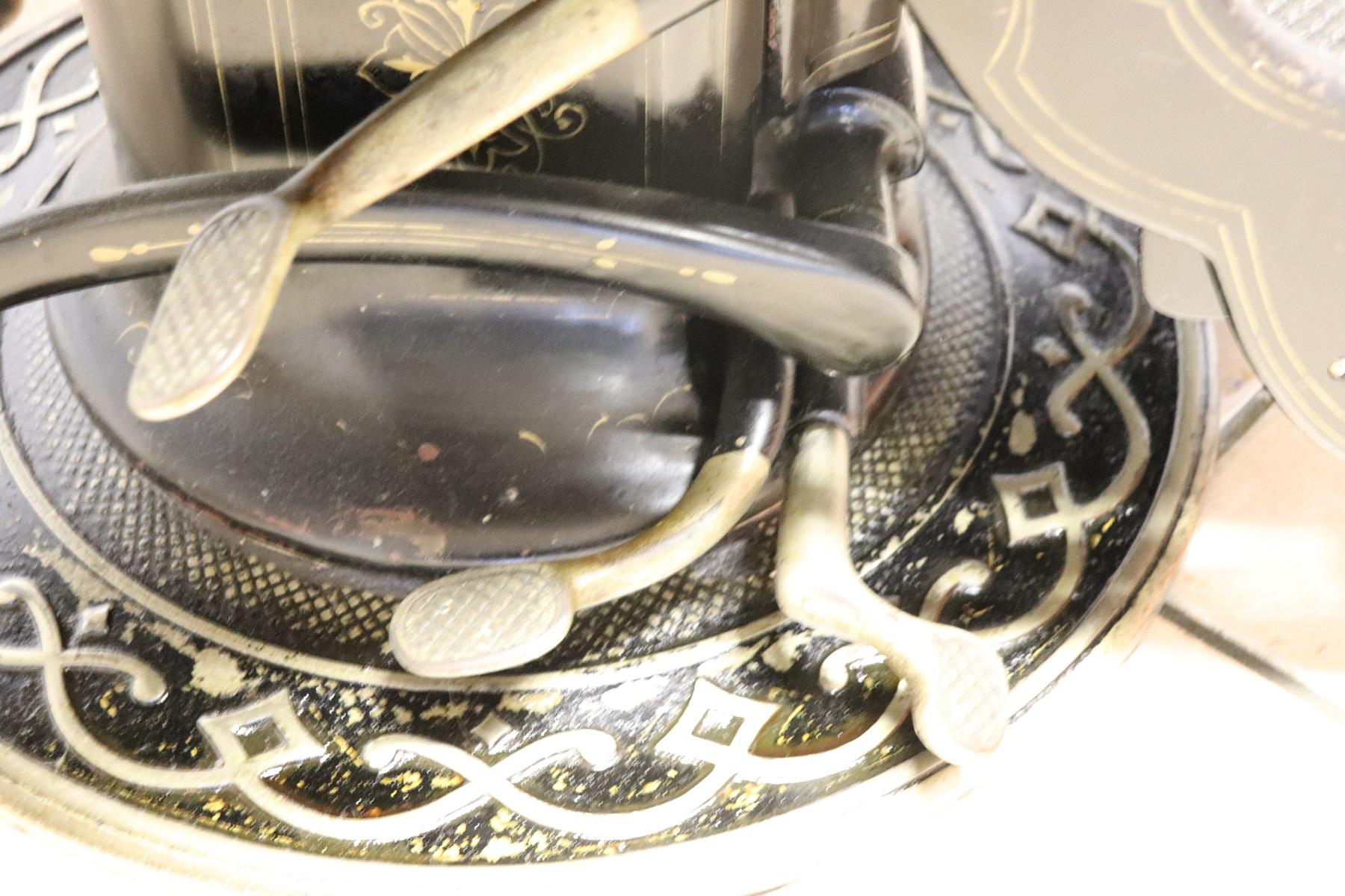 thumb10|Sedia da dentista antica in ferro forgiato e pelle, 1910 PREZZO TRATTABILE