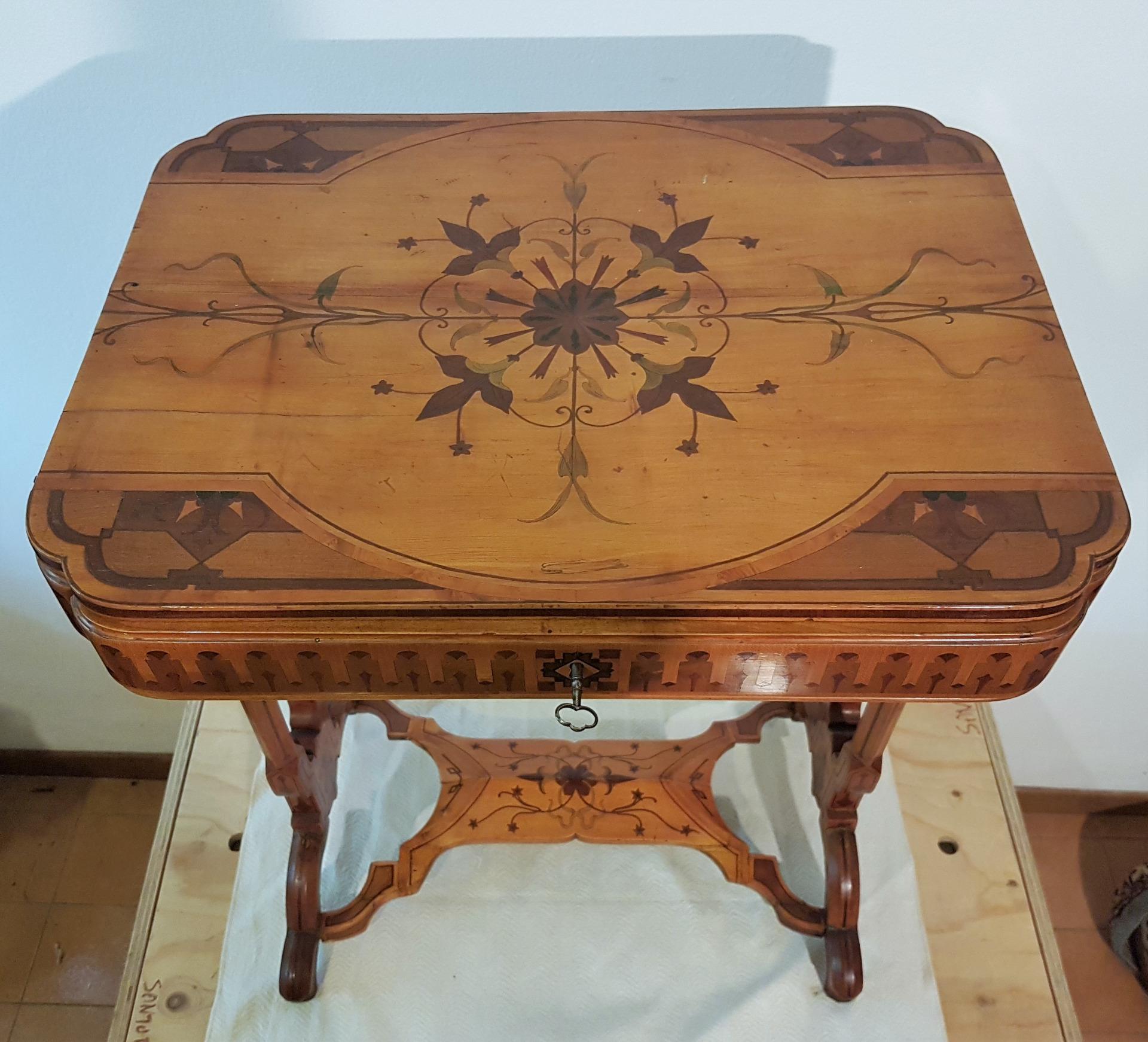 Tavolino Da Boudoir.Insieme Da Boudoir Tavolino Da Lavoro Antiquariato Su