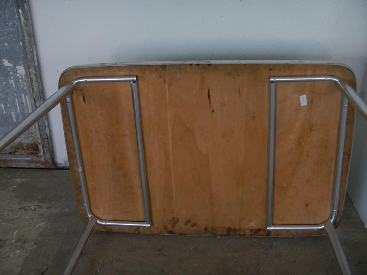 thumb8|tavolo da cucina in formica anni 50