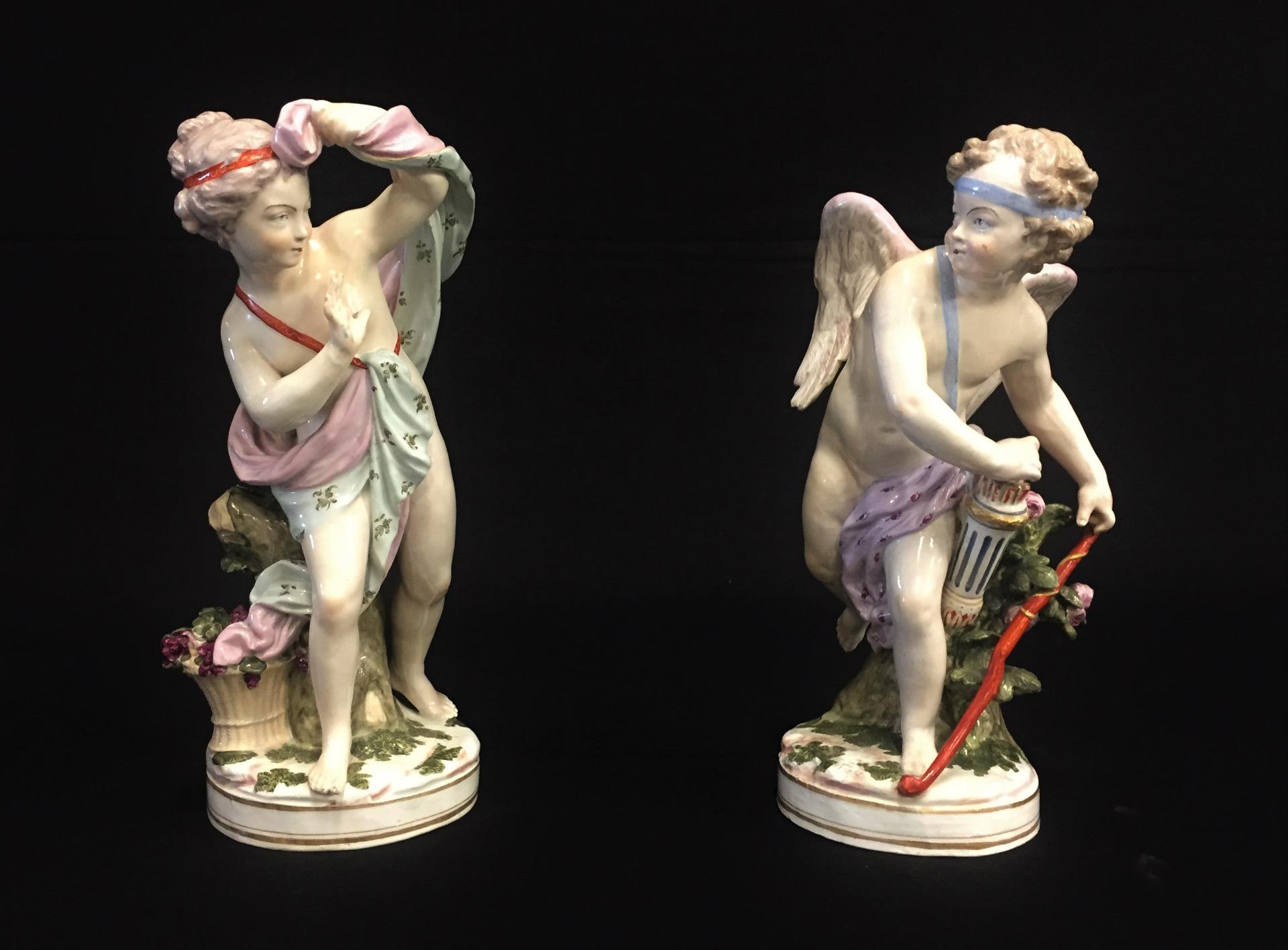 thumb6|Coppia di amori in porcellana