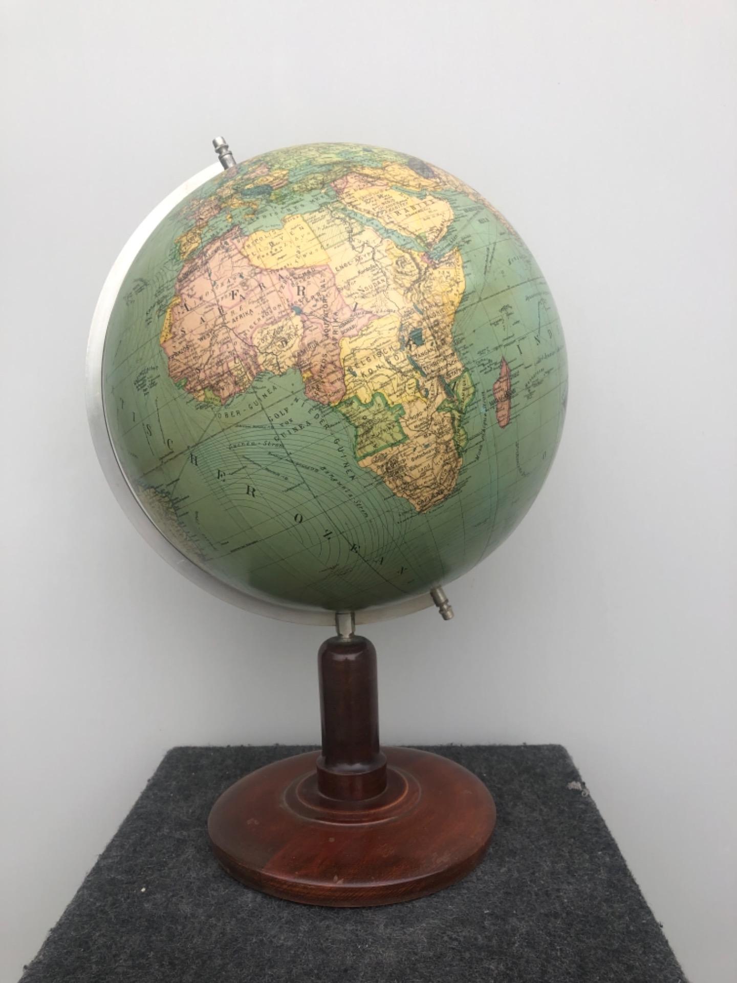 Globo terrestre.Columbus Erglobus.Germania.
