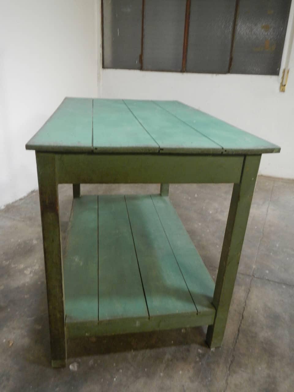 thumb7|bancone in  legno  di abete con due piani anni 50