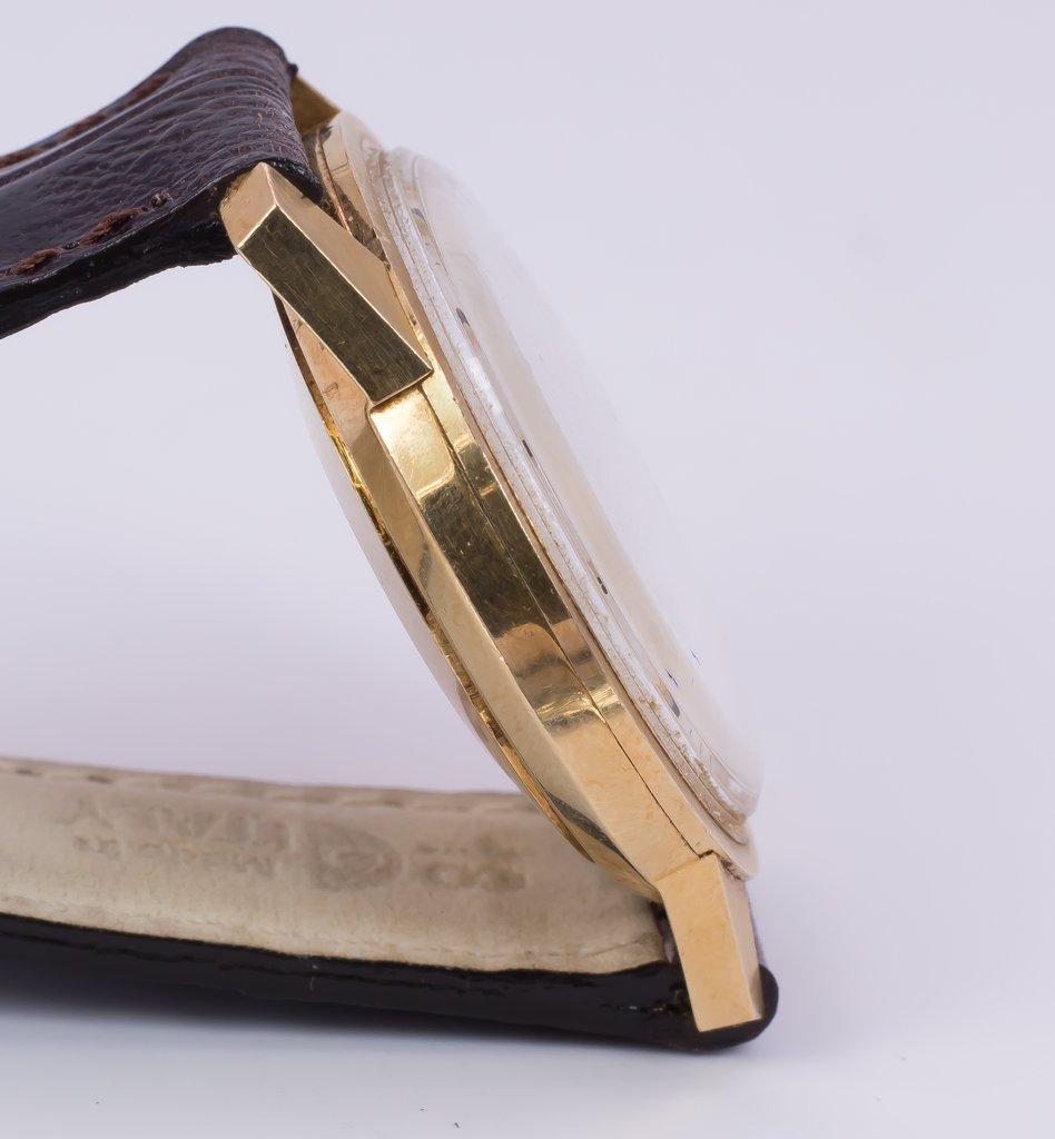 thumb3|Orologio da polso Longines Ultra-Chron in oro 18k - automatico-anni '60