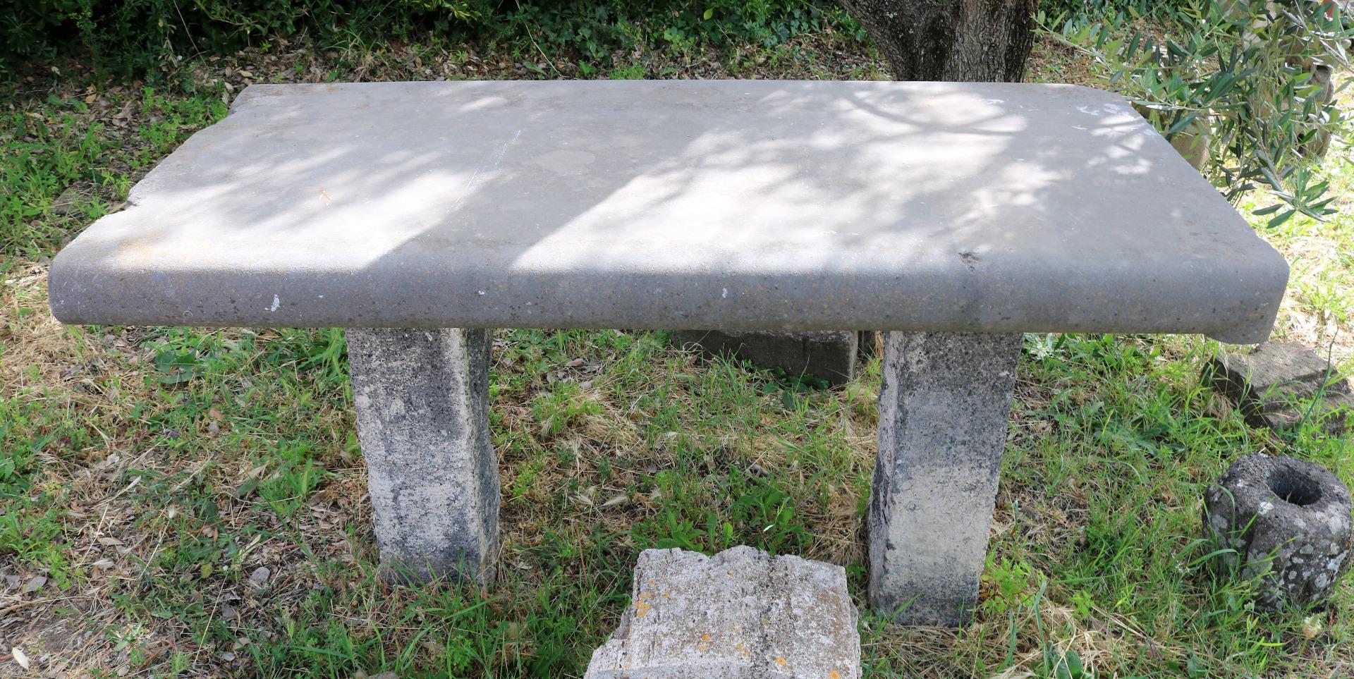 Antico tavolo in pietra. Epoca 1800. | Antiquariato su Anticoantico
