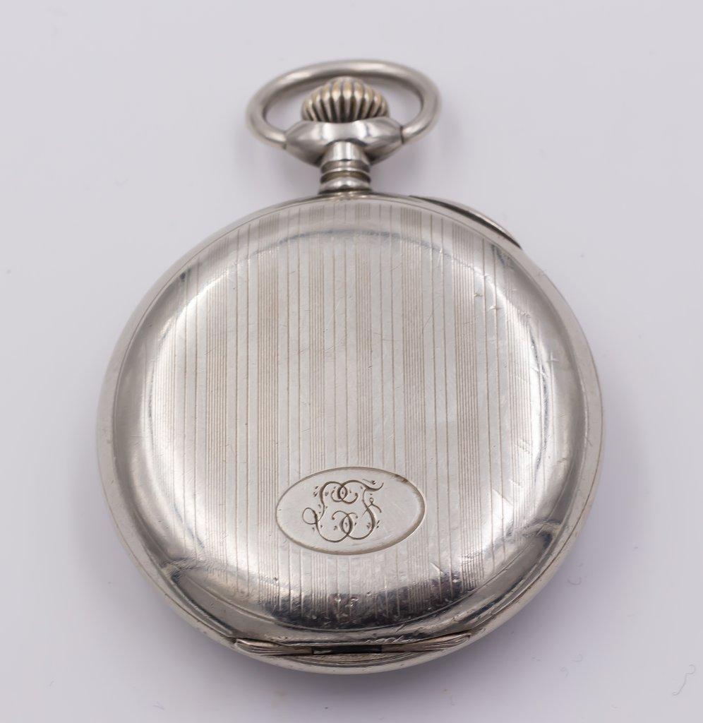 thumb2|Cronografo da tasca Vincit in argento primi 900