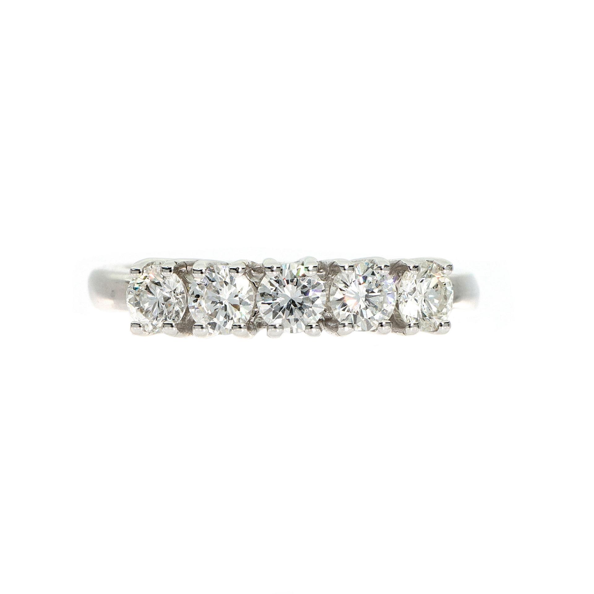 thumb2 Anello in oro bianco con diamanti taglio brillante