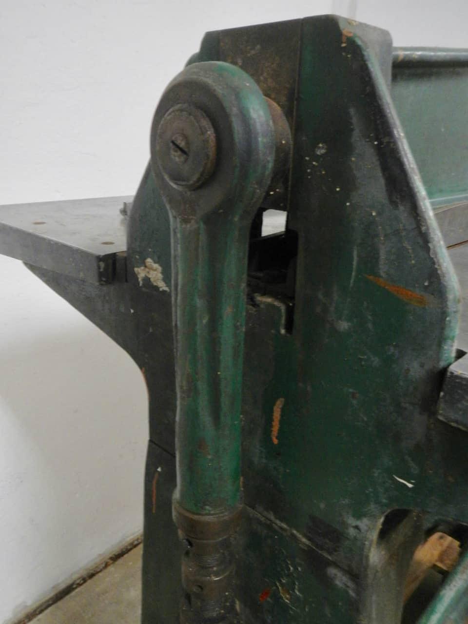 thumb8|macchina da tipografia anni 40
