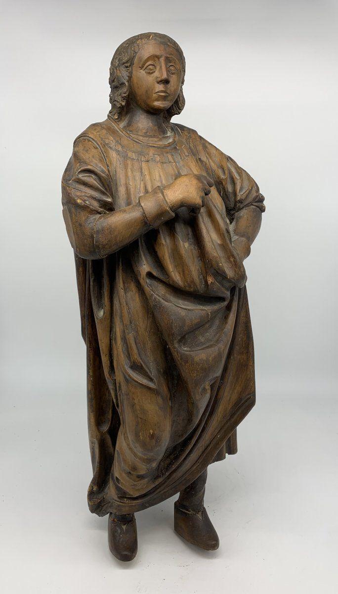 Laboratorio francese o renano - Bellissima scultura in noce che rappresenta un re o un notabile