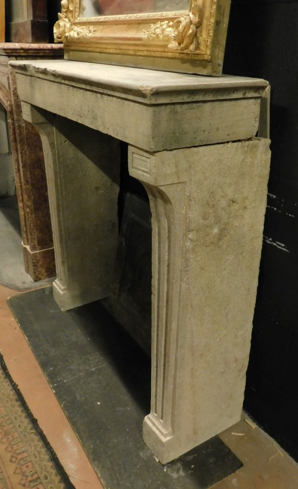thumb6|chp300 - camino in pietra di Borgogna, ep. '800, cm 100 L x p. 38 x h 103