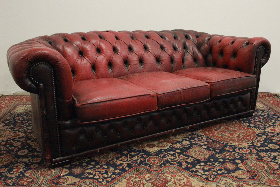 Divano Pelle Modello Chester.Sofa Model Chesterfield Chester Club 3 Seats Bordeaux Original English