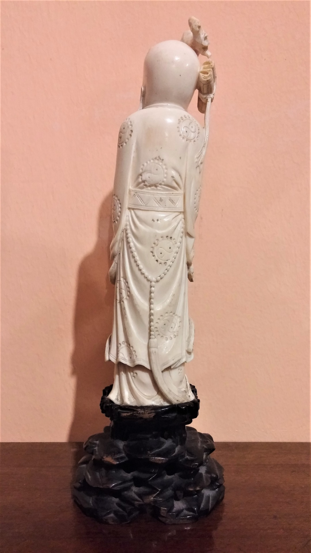 thumb4|Statuetta in avorio, saggio orientale, fine '800