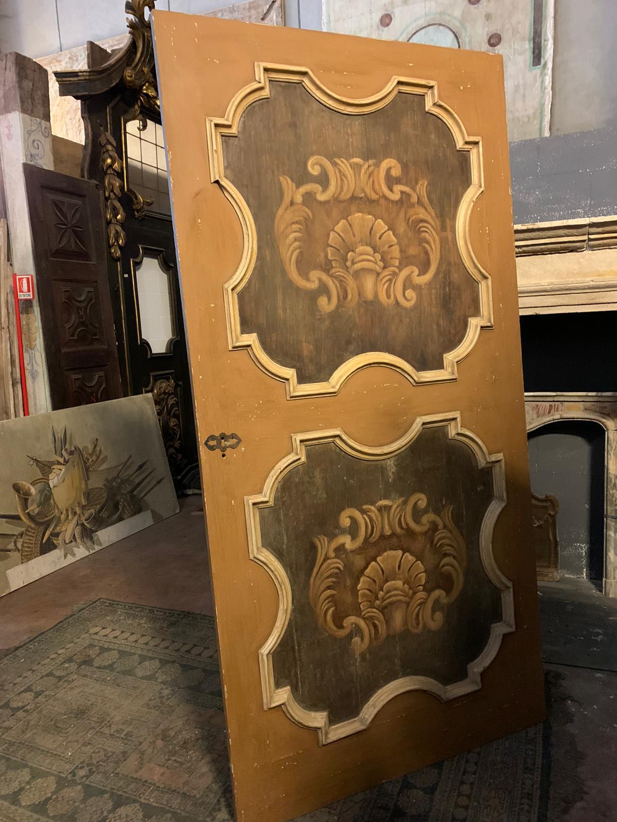 thumb6  ptl538 - porta laccata con pannelli dipinti, epoca '6/'700, cm l 170 x h 290