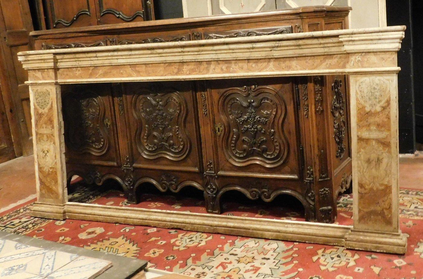thumb3|A pan209 telaio laccato finto marmo, con capitelli mis. larg. cm 233 x h 105, epoca '700