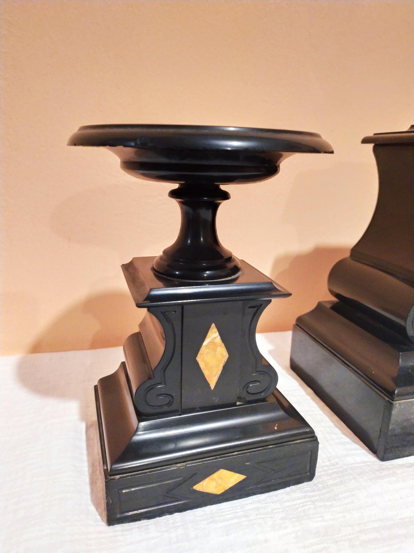 thumb3|Trittico in marmo nero del Belgio epoca Napoleone III