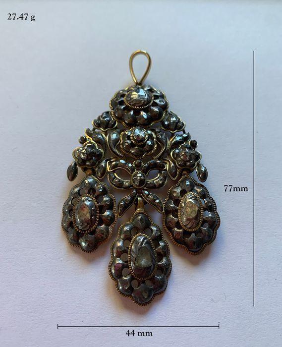 Magnifico ciondolo spagnolo, fine del XVIII secolo - oro, argento, diamanti