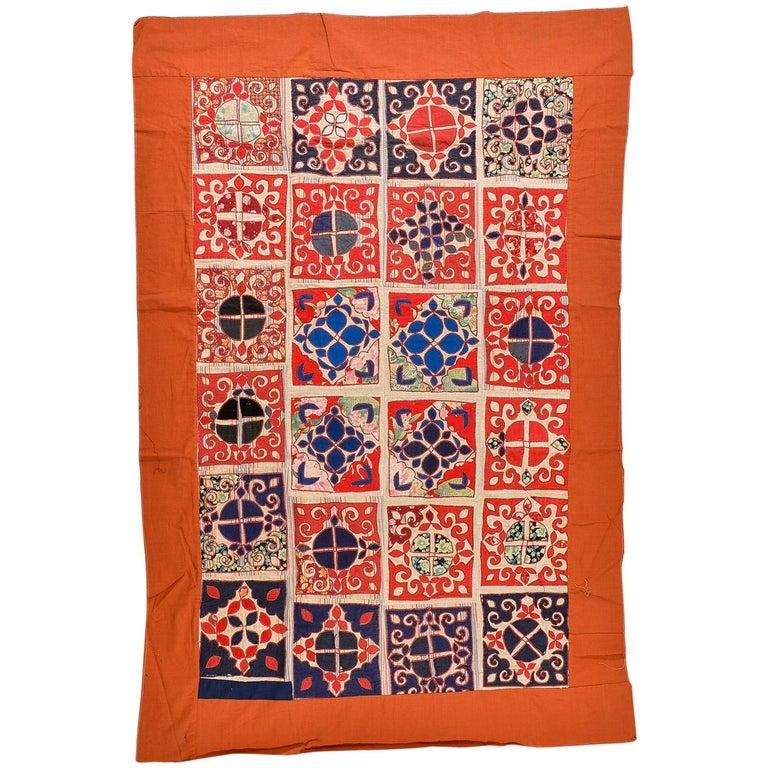 Patchwork di antichi tessuti ricamati Turkomanni