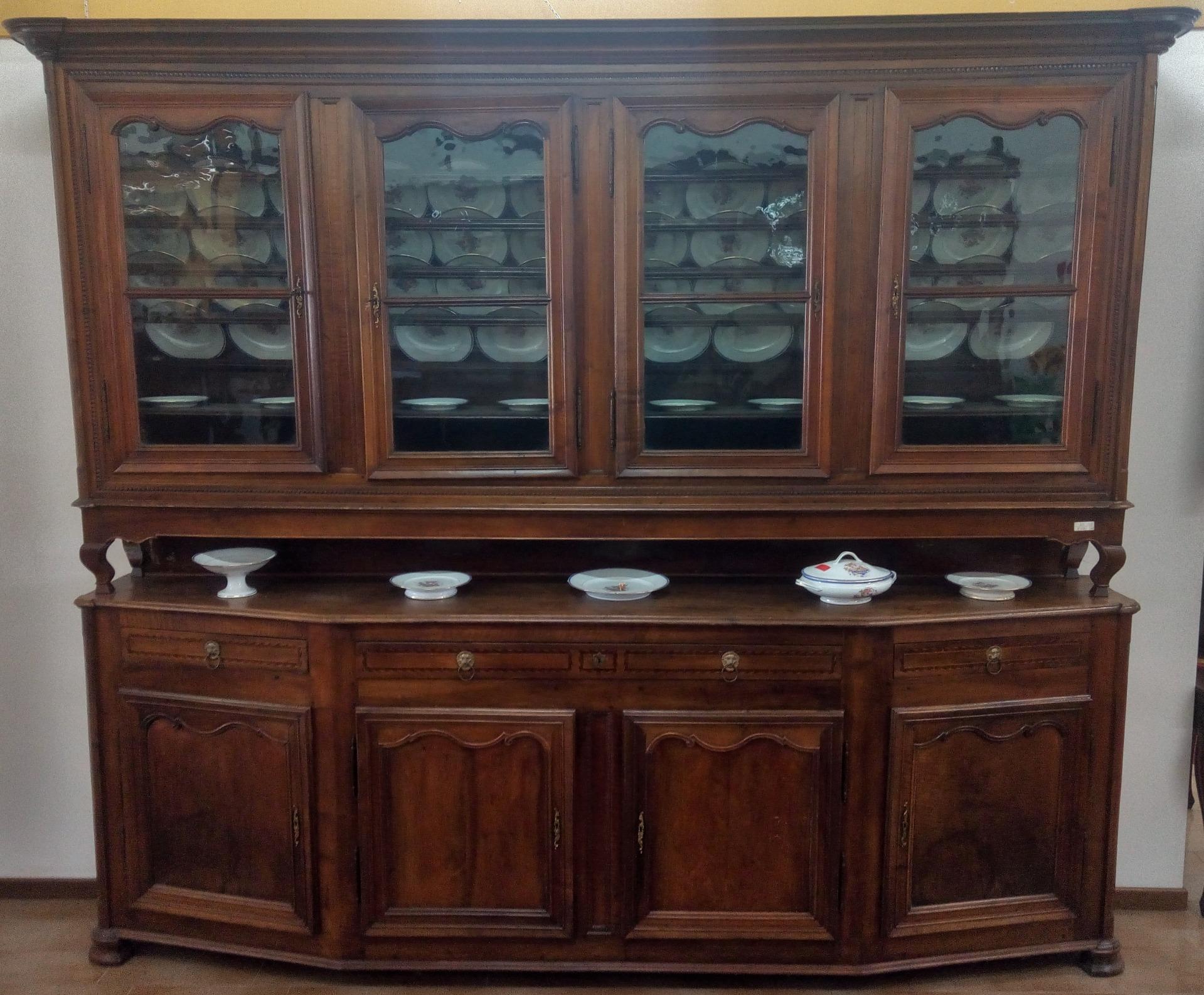 Credenza Con Vidrio : Aparador con muescas placa de vidrio y antigüedades