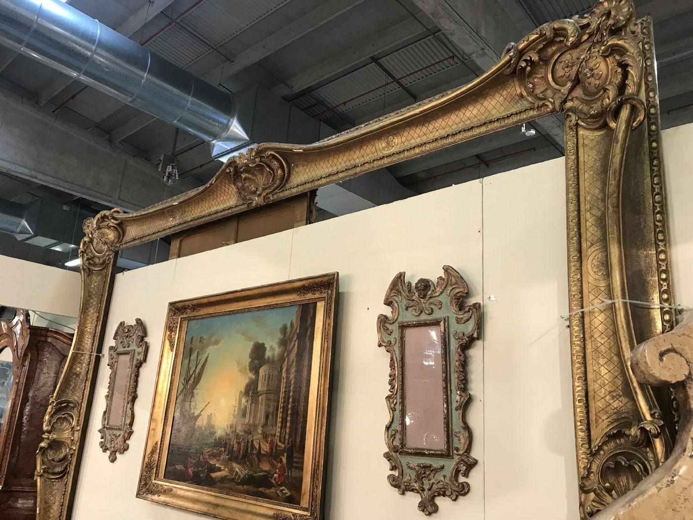 thumb2|An Grande cornice dorata Luigi 14 Venezia 292x360