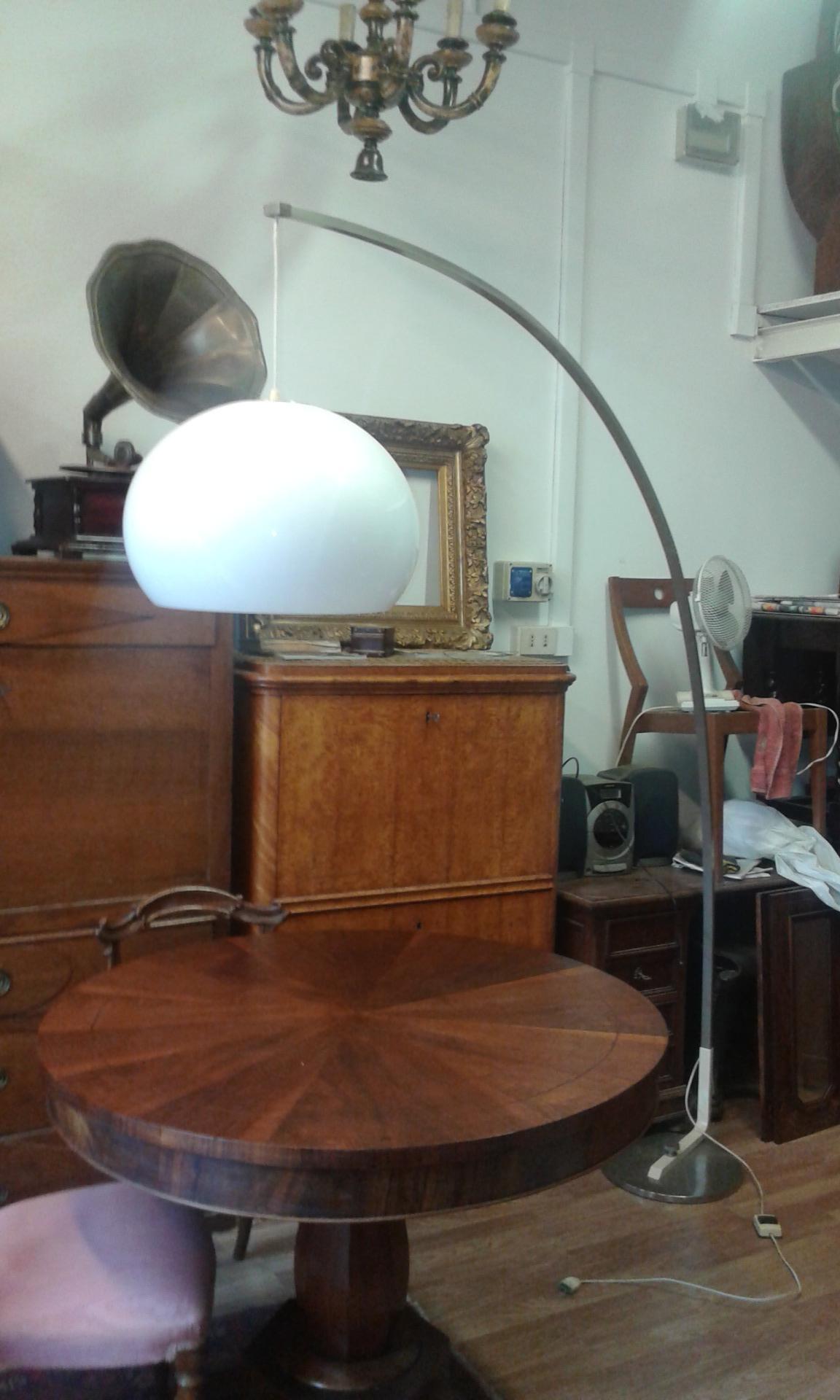 Lampada Da Terra Ad Arco Estensibile Con Casco In