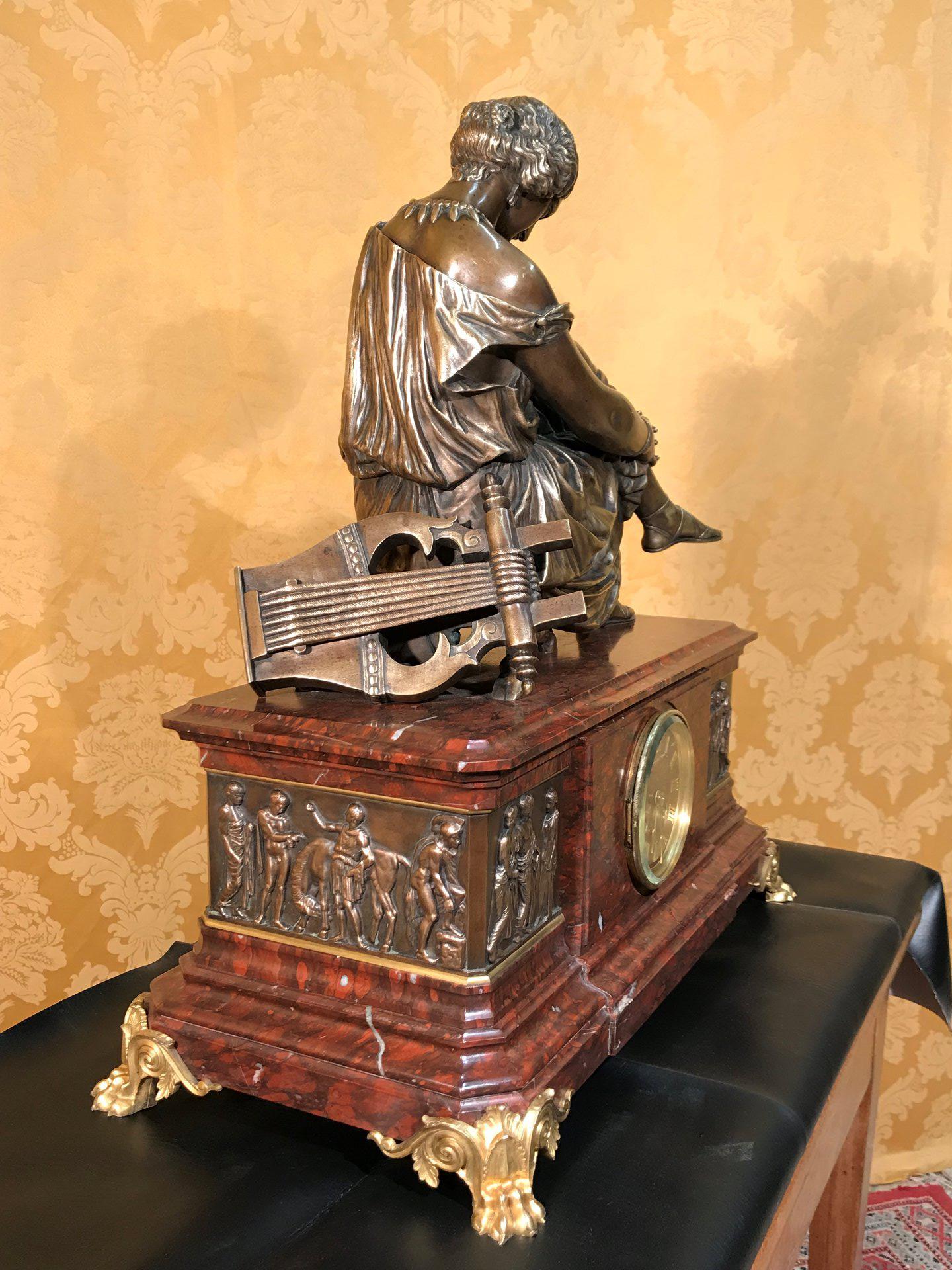 thumb4|Importante orologio a pendolo con marmo e bronzo firmato