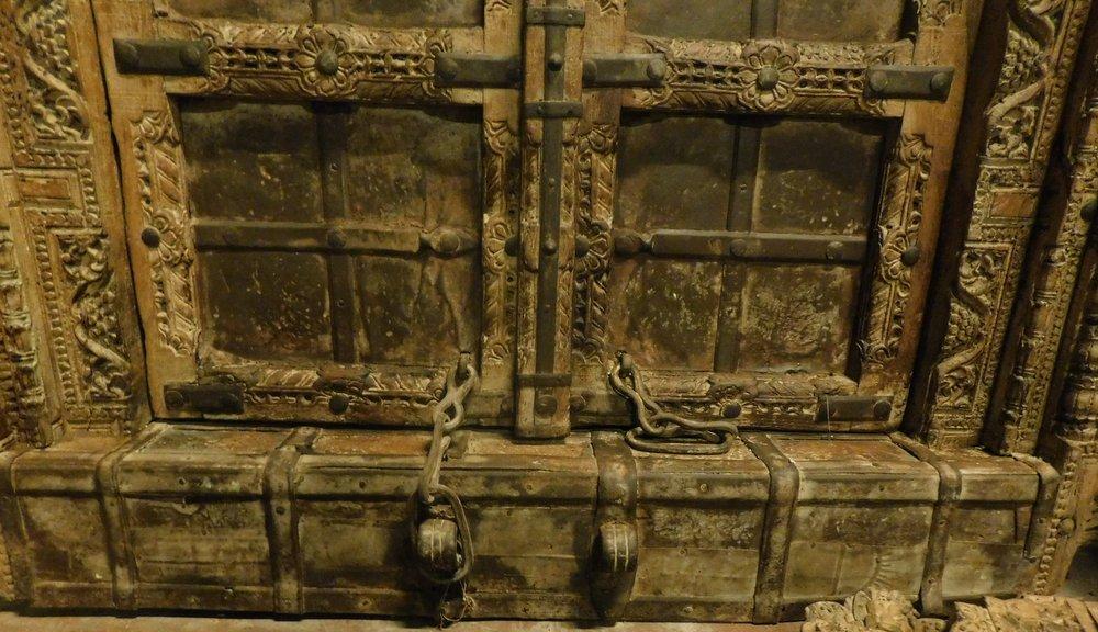 thumb4|ptci422 portoncino etnico, mis. con telaio h cm 197 x 106