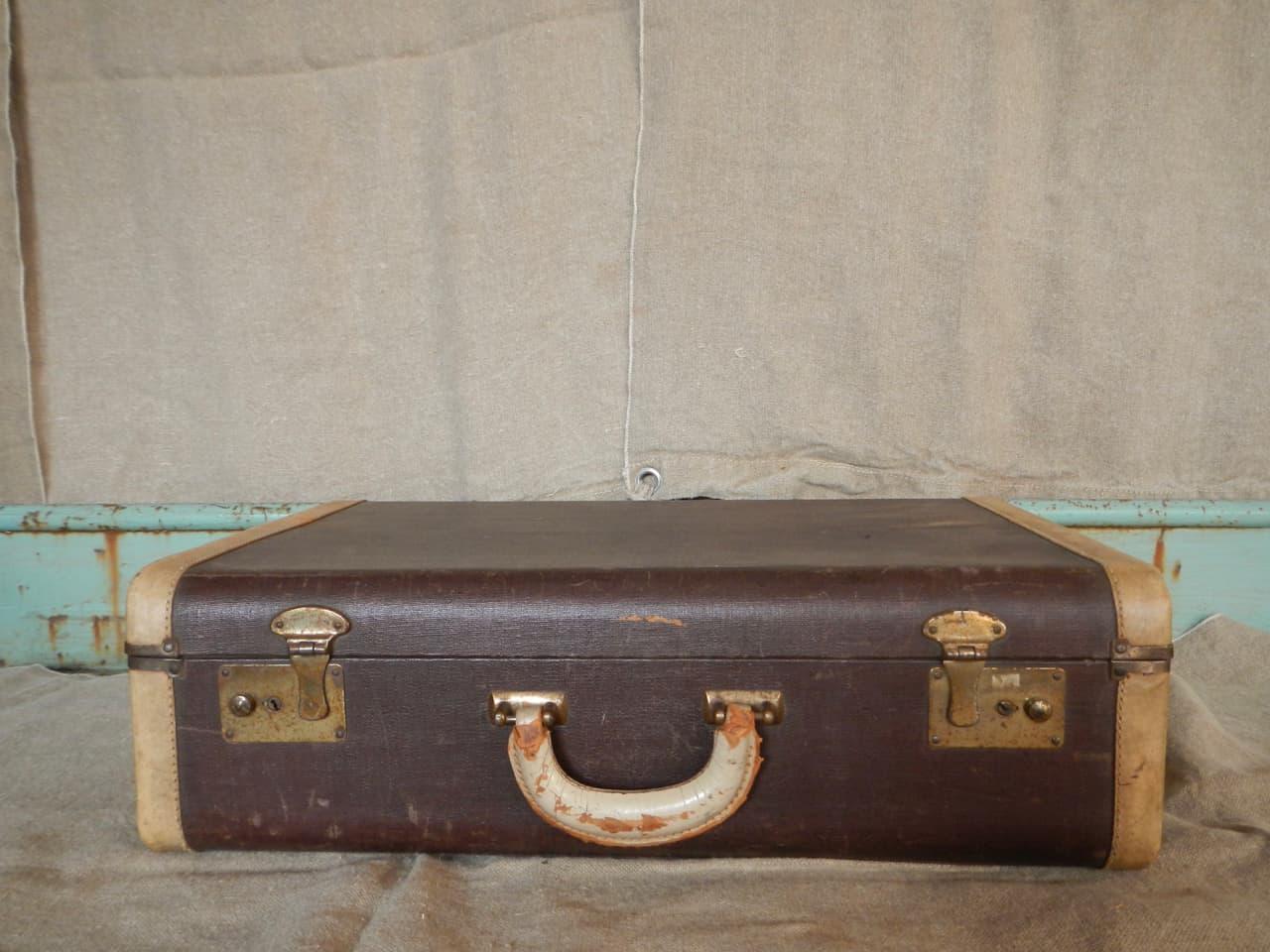 valigia in pelle anni 30