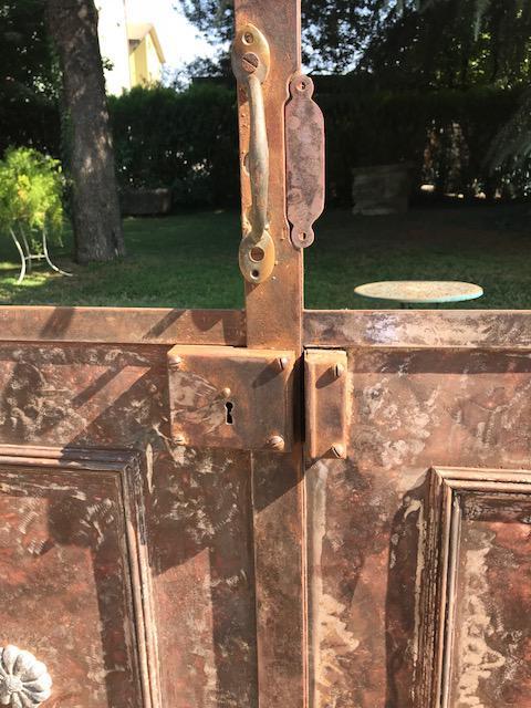 thumb2|porta in ferro