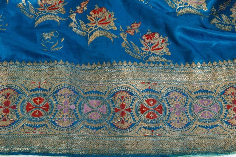 thumb2|SARI Indiano antico color turchese