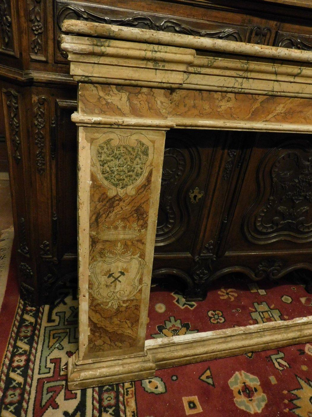 thumb5|A pan209 telaio laccato finto marmo, con capitelli mis. larg. cm 233 x h 105, epoca '700